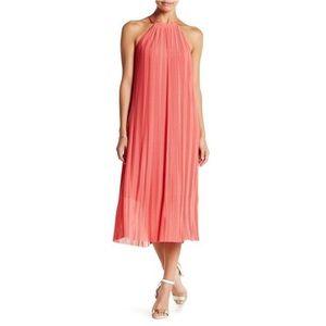 Flowy pleaded summer dress